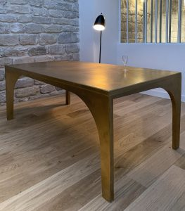 table oscar gold